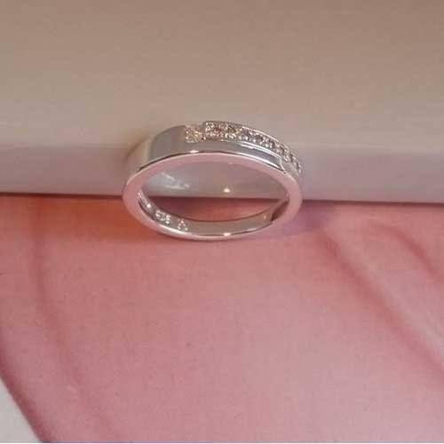 3656db74d52 Band ring met een aparte zirkonia